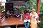 Lurah Kumpulrejo Salatiga Bangun Gazebo Taman Baca Di 10 RW