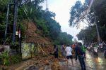 Tanah Longsor di Gombel Lama Semarang Akibatkan Kemacetan Lalu Lintas